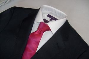 Marinblått från CK, Skjorta och slips från Next