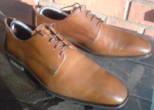 Mindre formellt med bruna skor