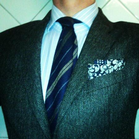 tight_cut_spread_collar